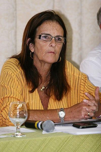 Ex-Presidente da Petrobrás Graça Foster é Multada pelo TCU
