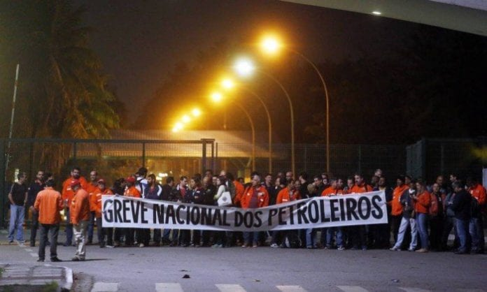 Governo Não Consegue Impedir Paralisação dos Petroleiros