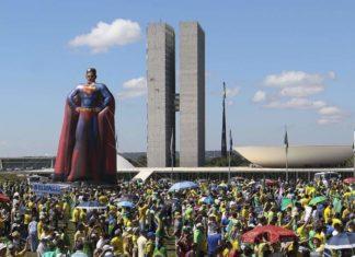 Manifestações em apoio ao Governo mostram que o Poder emana do povo