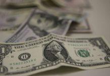 Disparada do dólar pode afetar taxa de juros