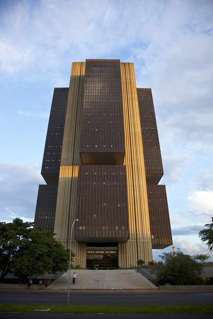 Banco Central diz que inflação pode subir pressionada por eficiência no mercado de crédito