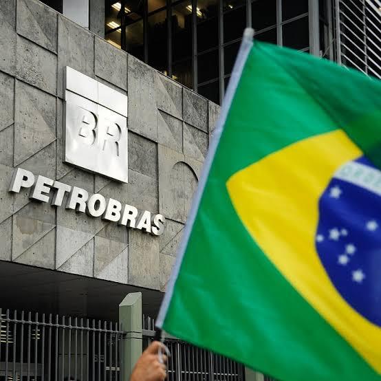 BNDES vai vender ações da Petrobras no Brasil e EUA