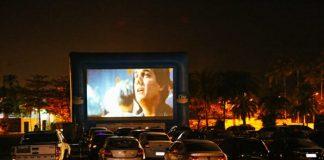 Passado ressurge através de cinema drive- in devido a coronavírus