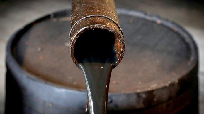Petróleo tem quinta alta consecutiva desde julho e sobe 20%