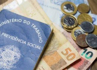 Renda do brasileiro cai mais de 20 pontos percentuais aponta pesquisa